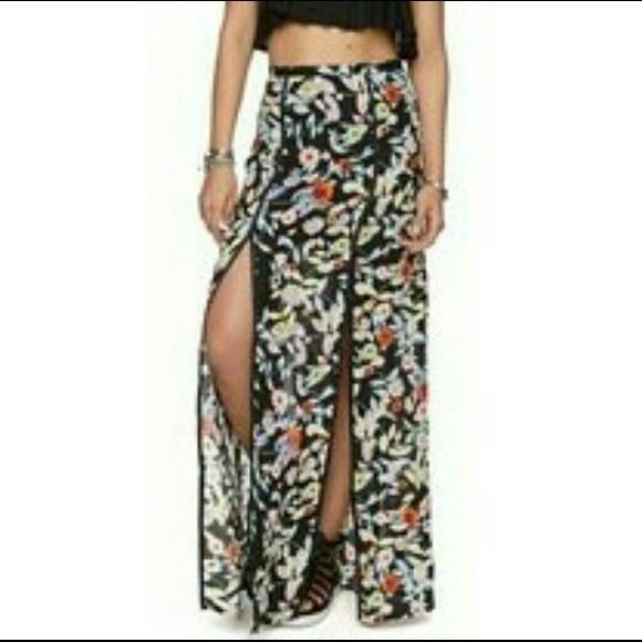Volcom Dresses & Skirts - EUC Volcom Floral Split Seam Skirt